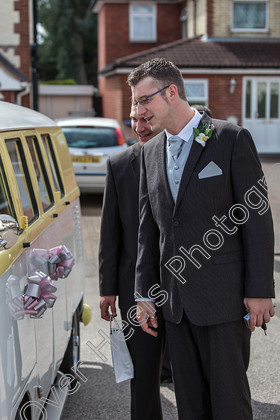 Wedding-Photography-at-Ipswich-Registry-Office,-Suffolk.-095